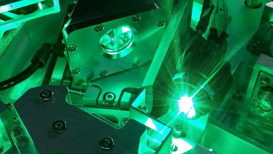Un laser ultraviolet breveté qui détecte la présence de pétrole.
