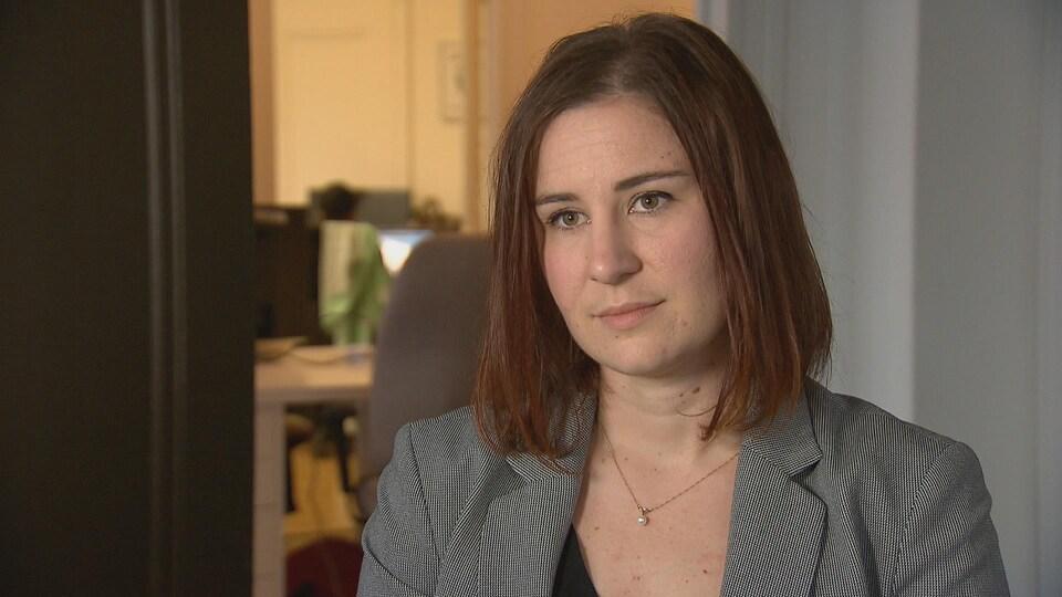 Laura Tribe est directrice générale de OpenMedia.