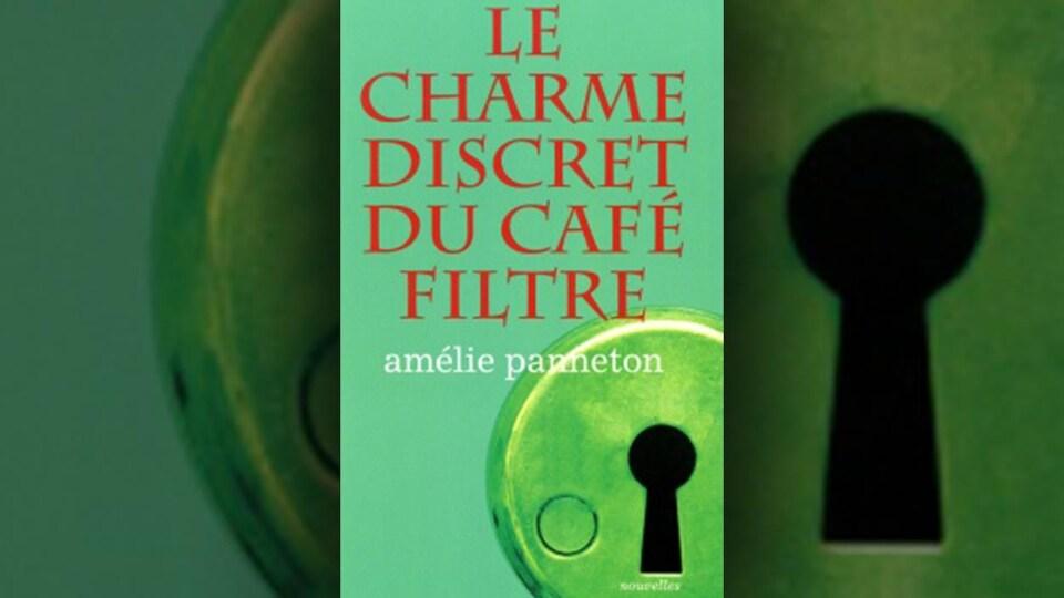 La page couverture montre la photo d'un trou d'une serrure sur fond vert.