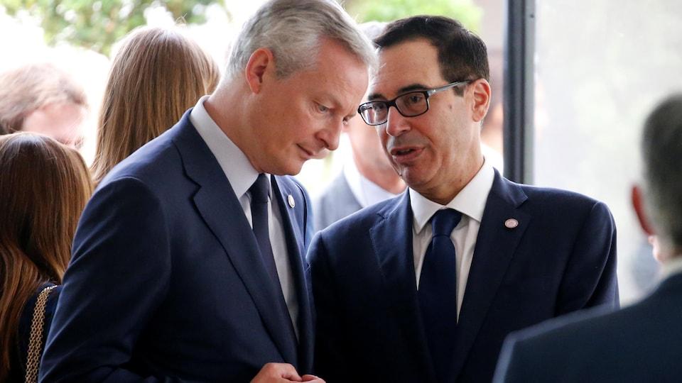 Bruno Le Maire et Steven Mnuchin discutent.