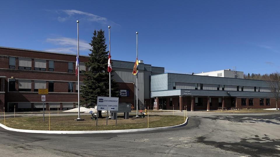 L'école Saint-Jacques le 10 avril 2021 à Edmundston au Nouveau-Brunswick.