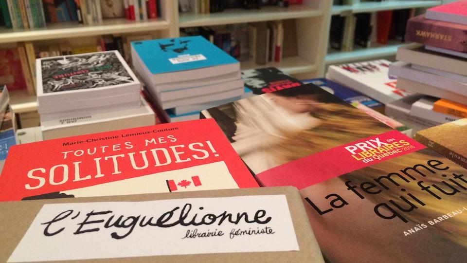 Les tablettes de la librairie l'Euguélionne