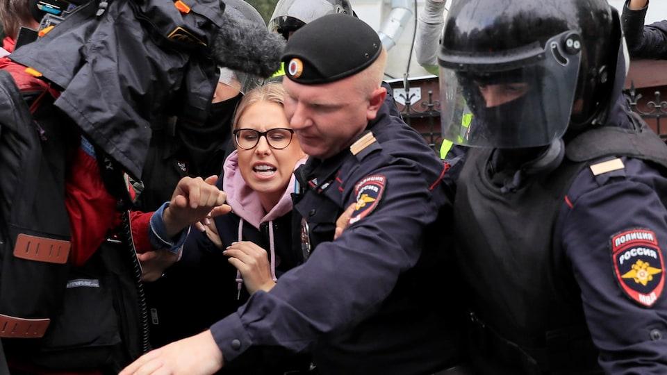 Et en Russie ! Lioubov-sobol-russie-arrestation
