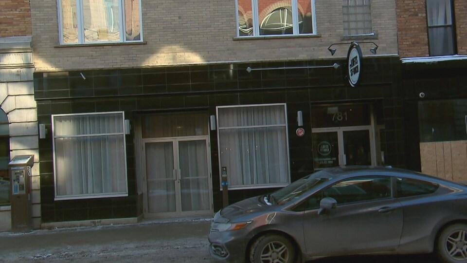 Des appartements touristiques au rez-de-chaussée, rue Saint-Joseph, à Québec.