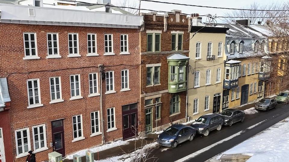 Des logements du quartier Saint-Jean-Baptiste en hiver.
