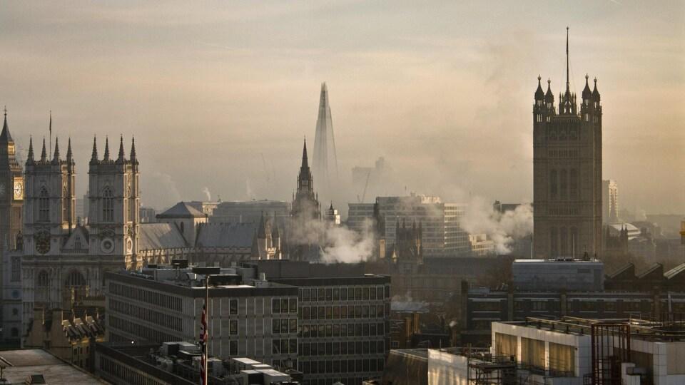Londres par un matin brumeux