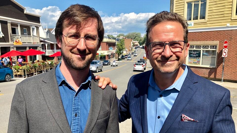 Louis Gagnon et Yves-François Blanchet dans les rues de Rivière-du-Loup.