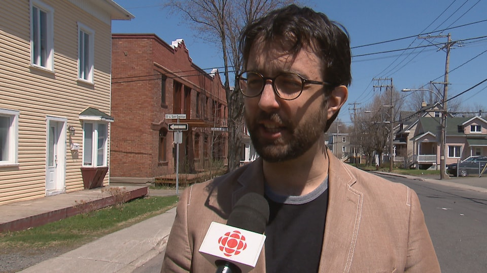 Louis-Philippe Lampron, professeur titulaire en droits et libertés de la personne à l'Université Laval