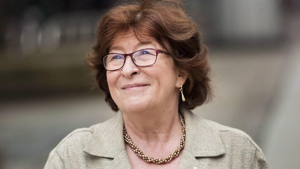 Louise Arbour, lors du dévoilement de son étoile du Walk of Fame de Toronto en juin 2015.