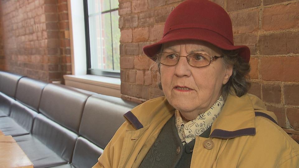 Louise Gagné s'adresse à la journaliste.