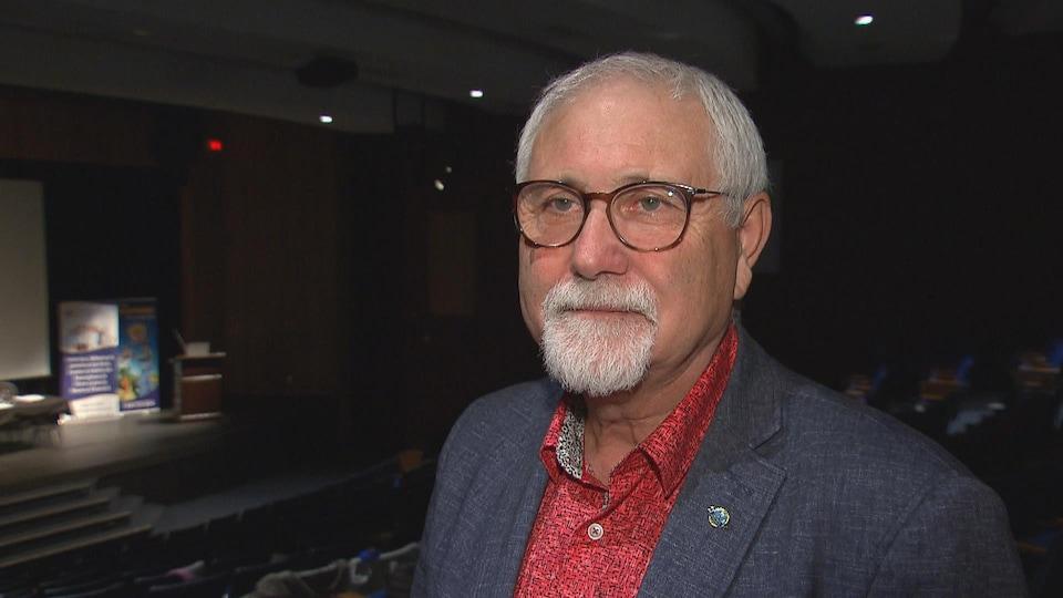 Luc Doucet, de l'Association francophone des aînés du N.-B, en entrevue.