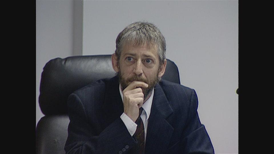 Le coroner Luc Malouin lors de l'enquête publique sur la tragédie des Éboulements.