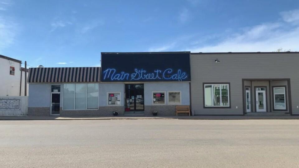 La façade du restaurant Main Street Cafe.