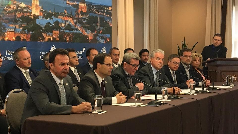 Les maires de l'Union des municipalités du Québec demandent aux députés d'adopter le projet de loi 122 d'ici le 16 juin.