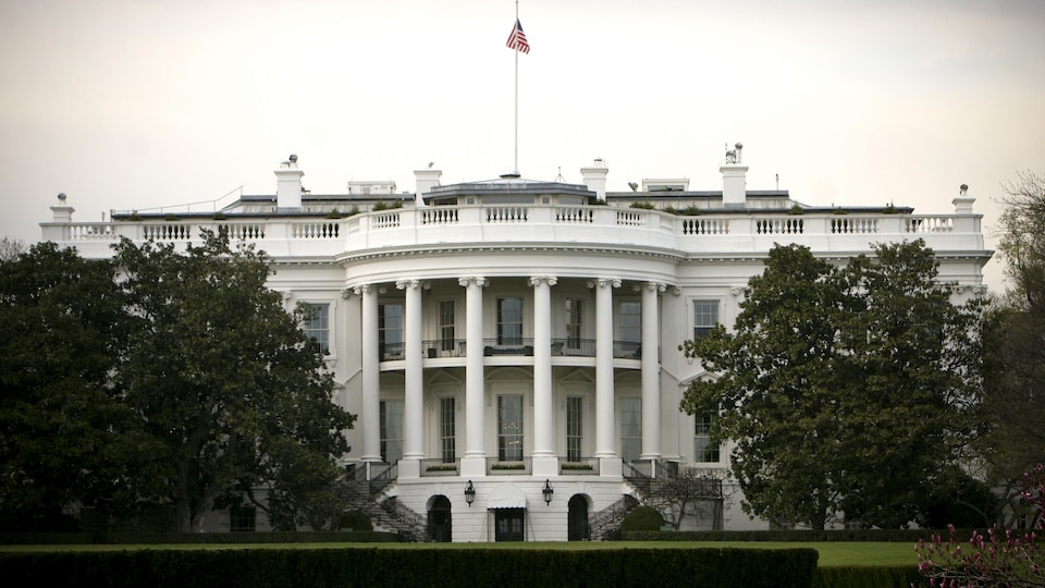 La Maison-Blanche vue de l'extérieur.