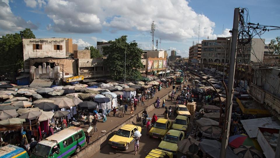 Le grand marché de Bamako.