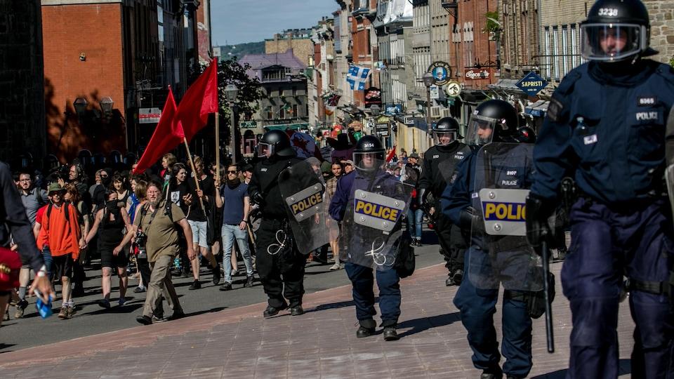L'escouade antiémeute a encadré la manifestation.