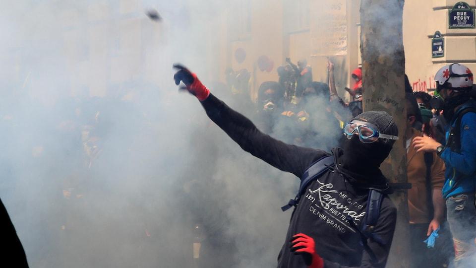 Manifestations du 1er Mai: plus de 200 interpellations à Paris