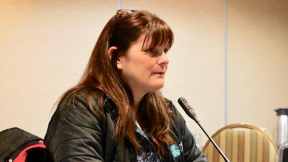 Manon Jeannotte au micro