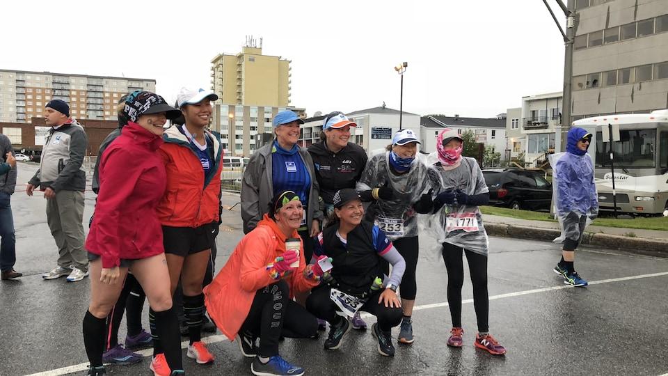 Des coureuses avant de commencer le marathon.