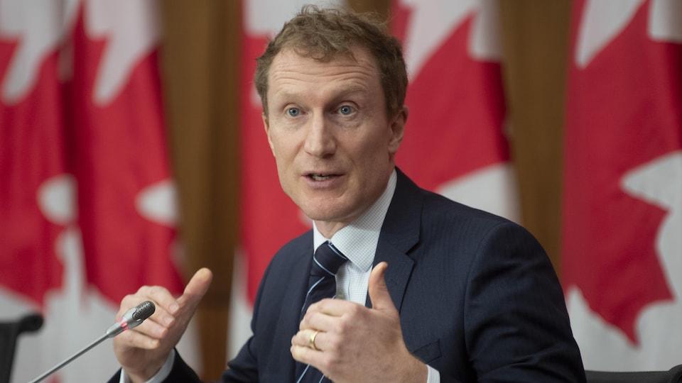 Marc Miller lors d'une conférence de presse, à Ottawa.