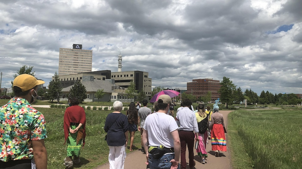 Marche silencieuse à Moncton, au Nouveau-Brunswick, en l'honneur des deux Autochtones tués par des policiers.