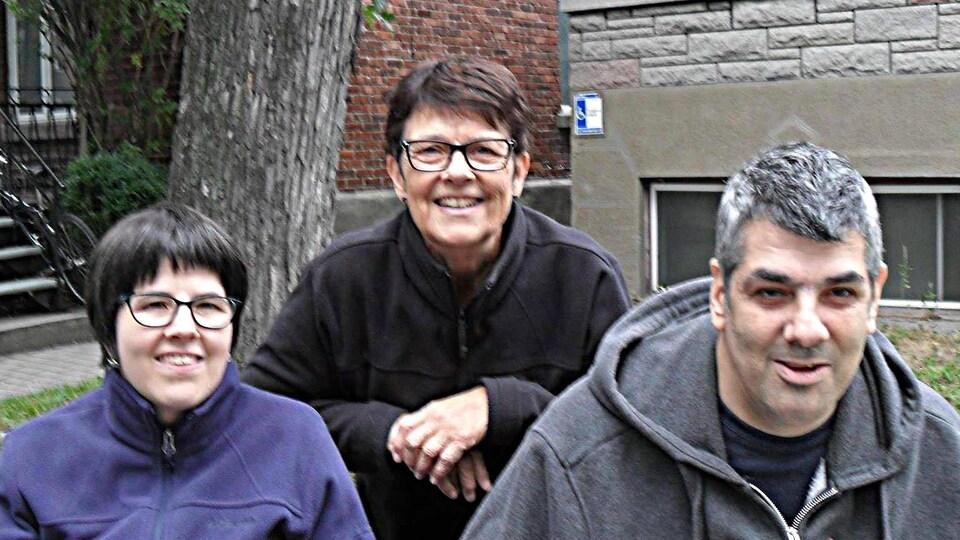 Danielle Gaudet, sa fille Marie-Josée et son fils Yanick