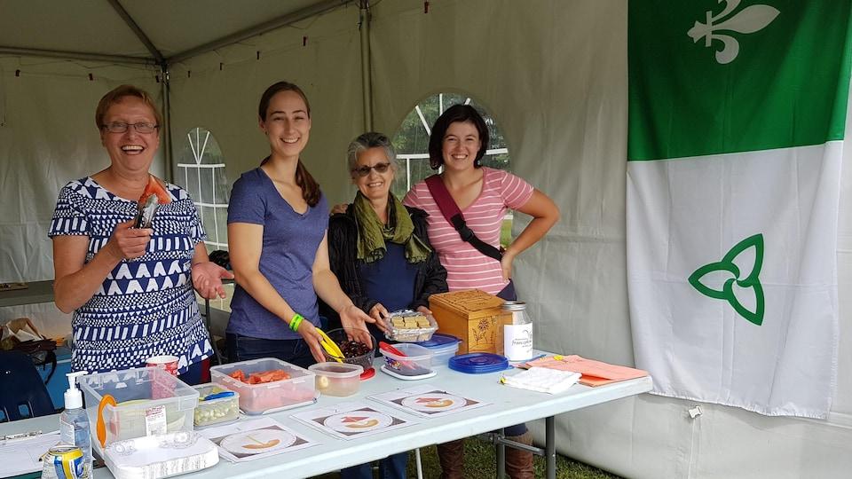 Marielle, Kate, Michèle et Nicole de l'Association francophone de Red Lake, en Ontario.