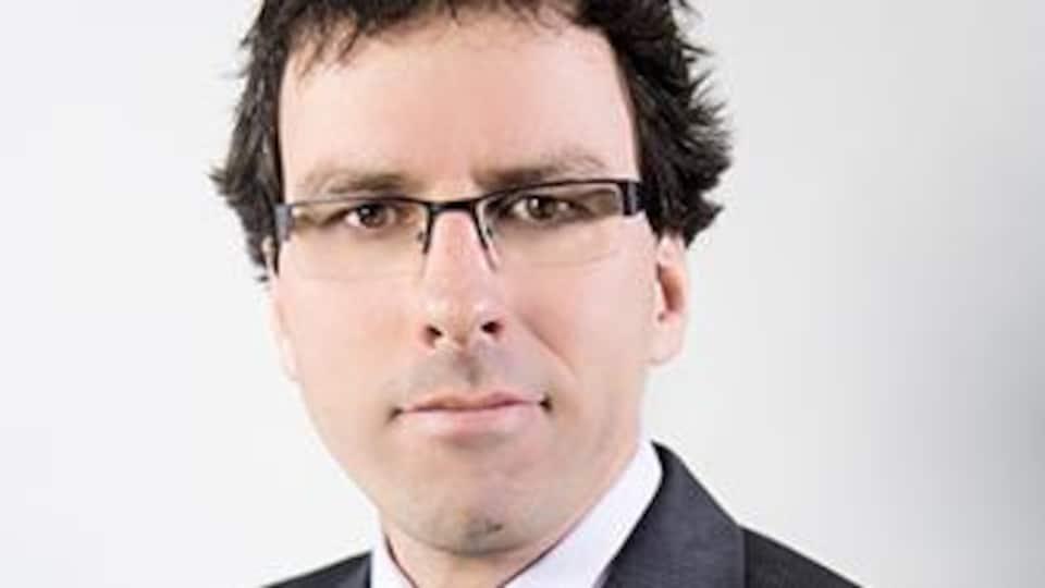 Photo de Mark Power, avocat dans la poursuite de la Fédération des francophones de la Colombie-Britannique contre le gouvernement fédéral au sujet de l'érosion des services à l'emploi en français dans la province.