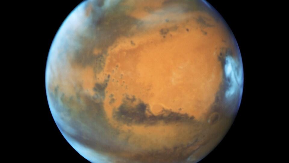 Vue de la planète rouge prise par le télescope Hubble de la NASA en mai 2016.
