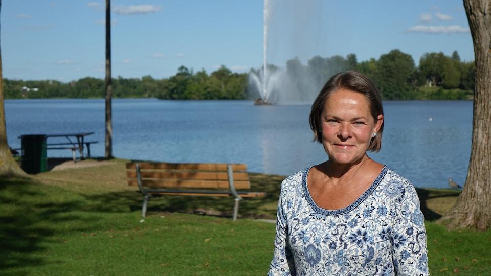 La résidente de Peterborough Martine Guay, dans un parc municipal.
