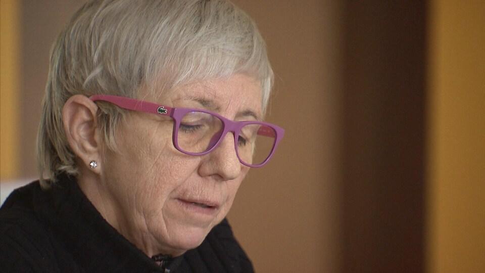 Martine Roy lors d'une entrevue à la caméra de Radio-Canada.
