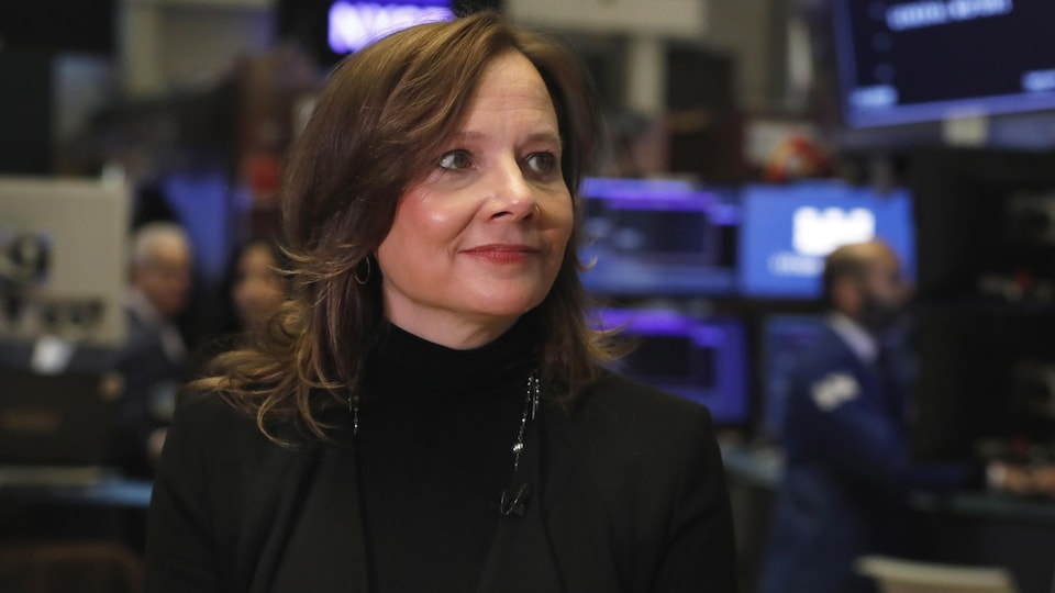 La PDG de General Motors, Mary Barra, à la Bourse de New York vendredi.