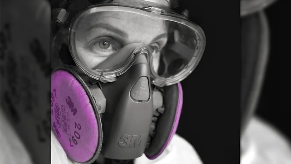 Les masques élastomères munis d'un filtre P100 seront permis d'utilisation dans les hôpitaux.