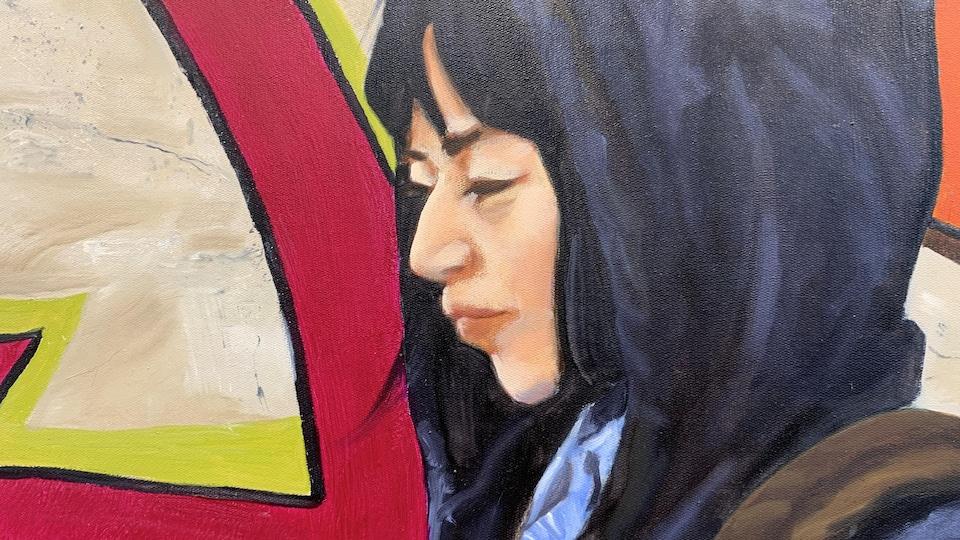 Profil du visage d'une jeune femme asiatique.
