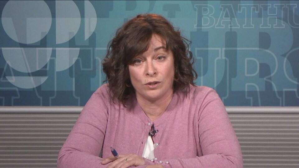 Michèle Pelletier en entrevue dans les studios de Radio-Canada à Bathurst, au Nouveau-Brunswick, le 25 avril 2019.