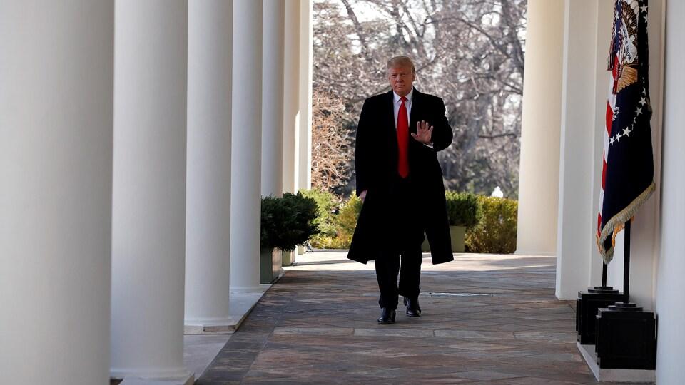 Le président américain Donald Trump à l'extérieur de la Maison-Blanche