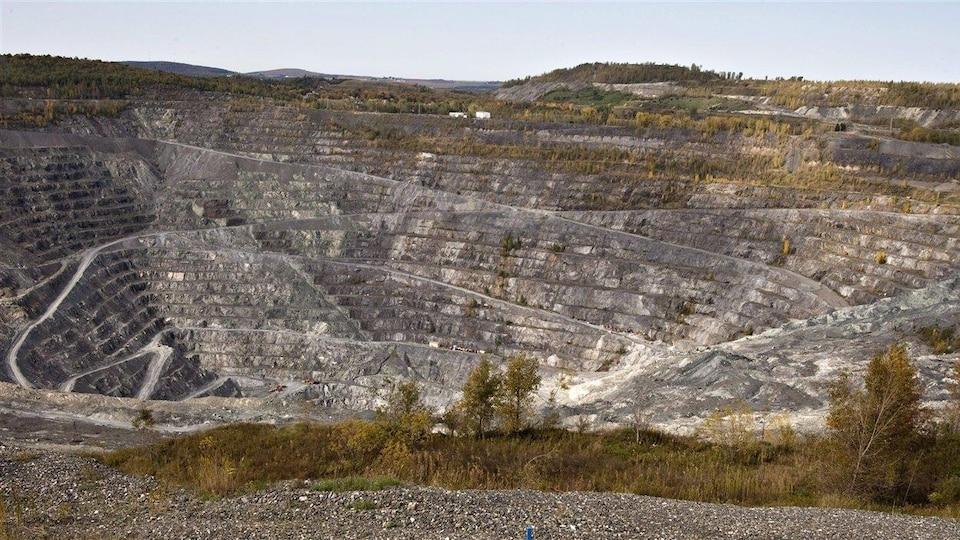 La restes de la mine Jeffrey à Asbestos, en Estrie.