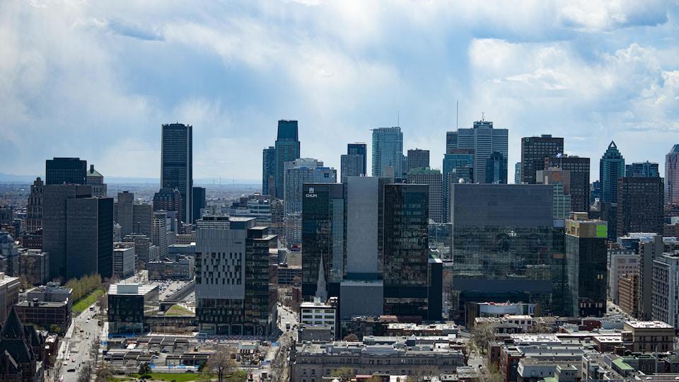 Le centre-ville de Montréal vu des airs.