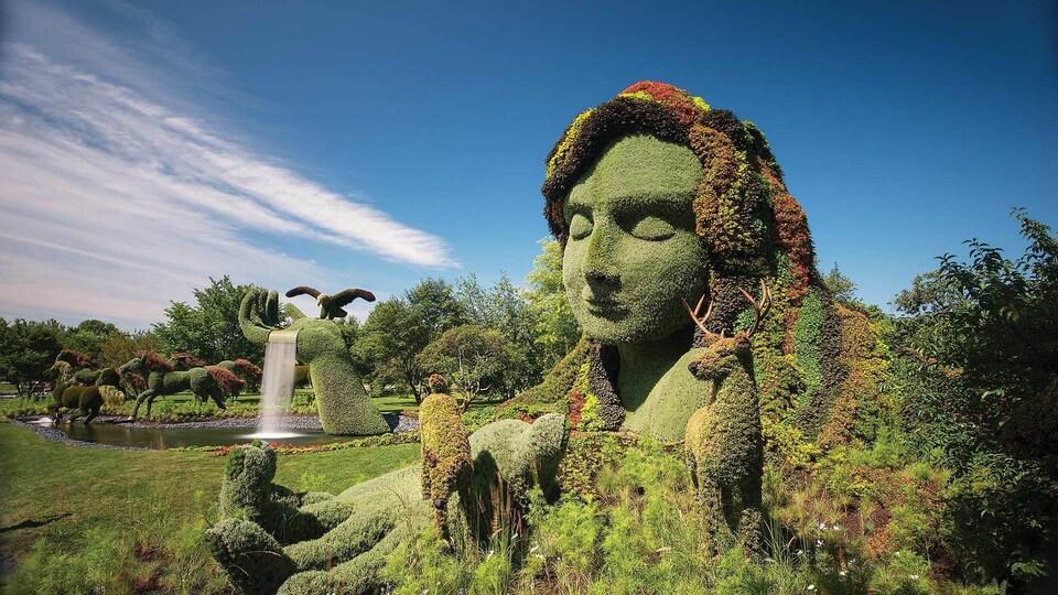 Une oeuvre de mosaïculture représentant la Terre-Mère