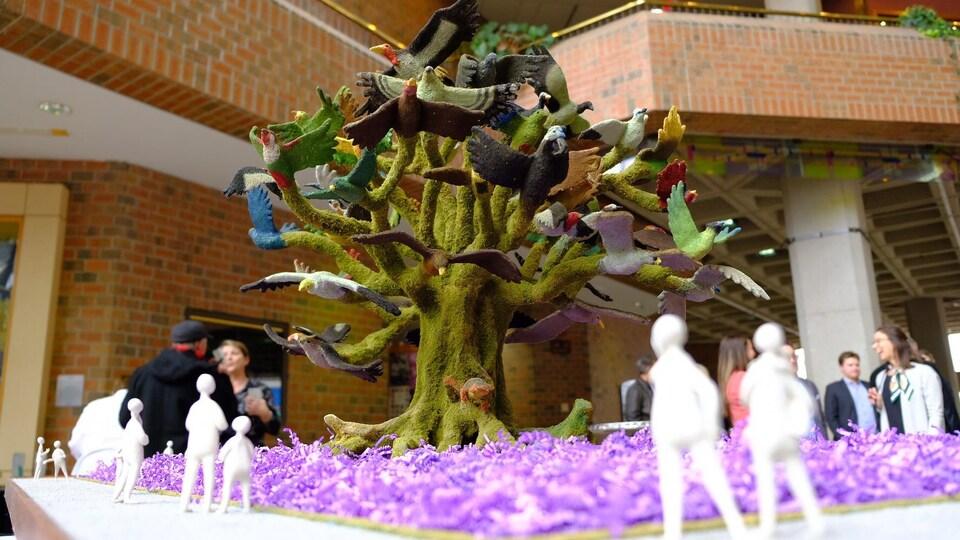 La maquette d'une des nouvelles structures de Mosaïcultures Gatineau 2018 où on voit un arbre où les branches deviennent des oiseaux.