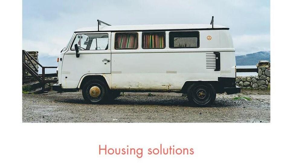 Page web de la question sur le logement illustrée avec la photo d'une caravane