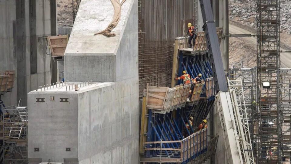 Les travailleurs au chantier de Muskrat Falls, en 2015.