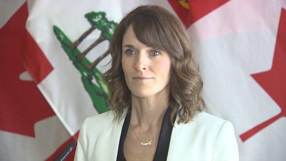 La ministre de l'Éducation, Natalie Jameson.