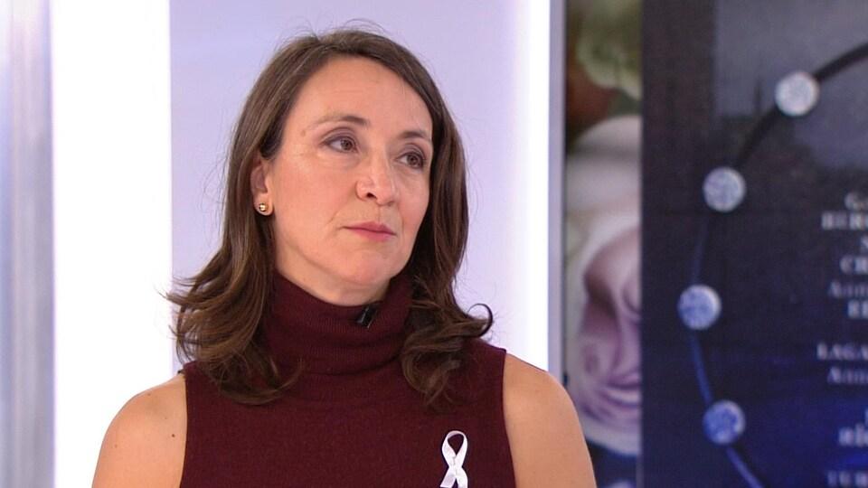 Nathalie Provost parle sur les ondes de RDI.