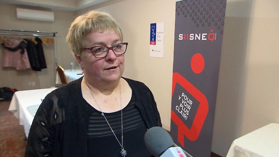 Nathalie Savard en entrevue à Radio-Canada.