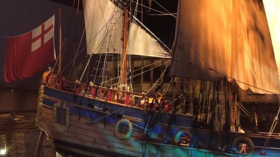 La réplique d'un navire.
