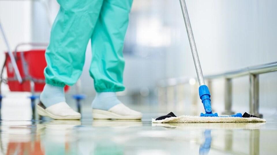 Les agences de placement offrent toutes sortes de services aux réseaux de la santé comme ceux d'hygiène-salubrité.