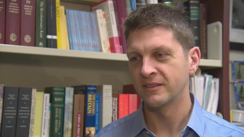 Nicolas Lambert, professeur de droit à l'Université de Moncton