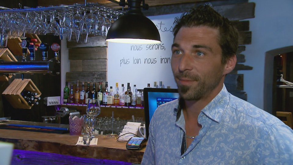 Nicolas Lavigne, propriétaire du camion-restaurant La zèbre mobile et du restaurant Côtes à Côtes en entrevue